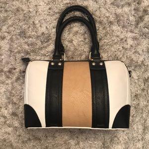 Charming Charlie Bubble purse